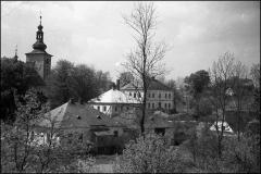 Kostel_-_hospoda_-_skola