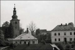 Kostel_-_hospoda_-_skola_3