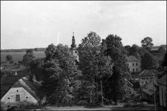 Kostel_-_skola_1